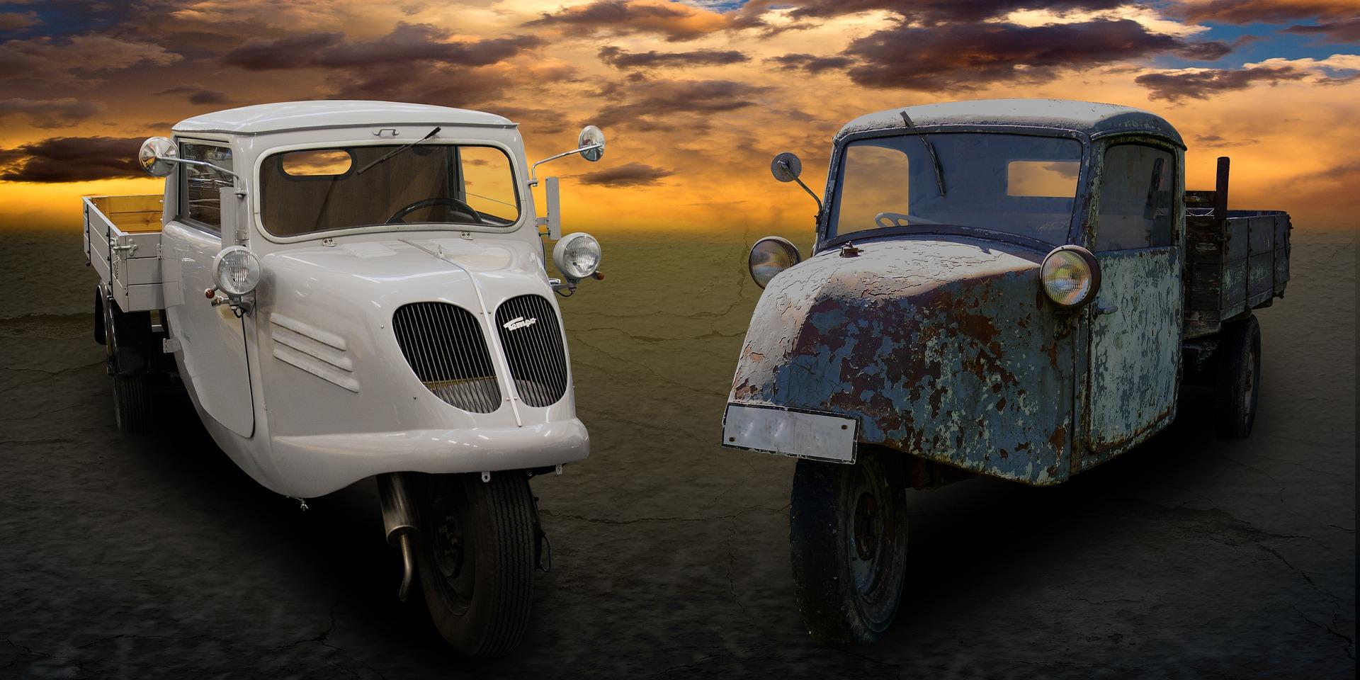 Zwei Fahrzeuge
